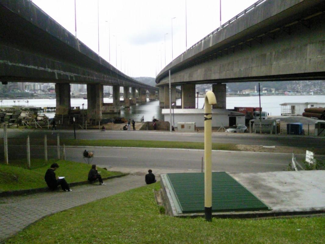 24/07/2011 - Vão das pontes Colombo Salles e Pedro Ivo Campos